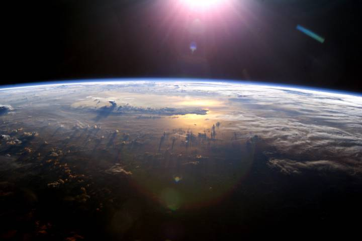 Nasa-sunrise-from-space-sta